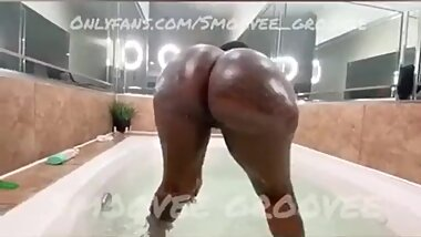 Smoovee_Groovee Natural Fat Ebony Ass