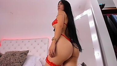 Colombian Shows Nice Ass